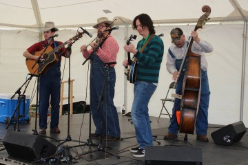 Blue Ridge Barn Dance Featuring Five Mile Mountain Road, Larry Sigmon & Martha Spencer to be held Friday, June 8