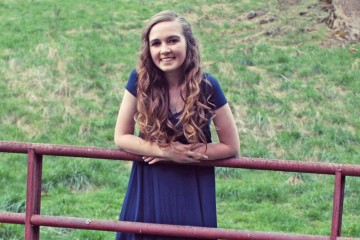 Sophomore Savannah Farris Coordinates School Supply Fundraiser for Franklin County Students